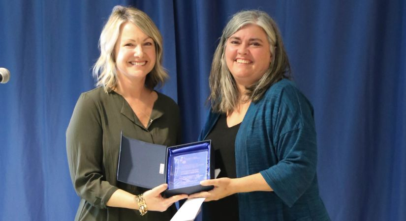 Kara Kazimer honouring 2019 Distinguished Alumni Award recipient Bree Cawley